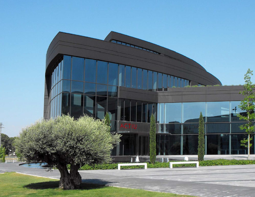 Somos contratados por la empresa ACTIU para la re-certificación del sello LEED, bajo el Rating System Existing Building: Operance & Maintenance v2009.